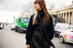 PFW - FW1415: Y su melena tostada por el sol no hace sino aumentar varios puntos nuestro affaire con la chica más cool de todo París....Caroline de Maigret