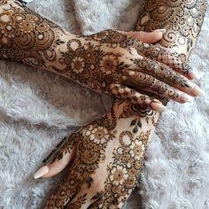 Arabian Mehndi Design, Arabic Bridal Mehndi Designs, Wedding Henna Designs, Modern Henna Designs, Khafif Mehndi Design, Engagement Mehndi Designs, Henna Art Designs, Mehndi Designs 2018, Mehndi Design Pictures