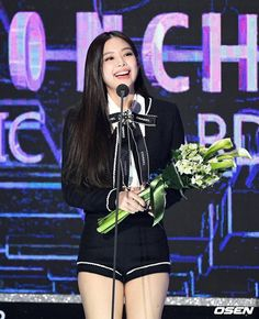 Jennie at Gaon Chart Music Awards 2019 South Korean Girls, Korean Girl Groups, Pink Performance, Rapper, Channel, Jennie Kim Blackpink, Music Awards, Scandal, Kpop Girls
