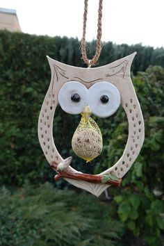 Clay Owl, Clay Projects, Clay Crafts, Arts And Crafts, Slab Pottery, Ceramic Pottery, Cold Porcelain Ornaments, Pottery Handbuilding, Paper Mache Clay