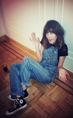 Alexa Chung in one of my must-haves: Convers.