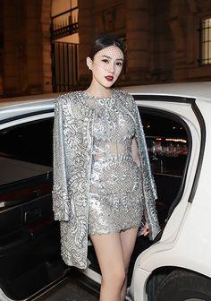 Midu, Angela Phương Trinh đẹp nhất tuần với đầm khoét ngực