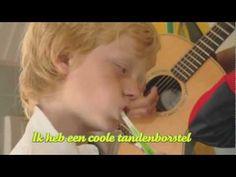 Ik heb een coole tandenborstel door Dirk Scheele
