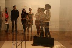 """Visita educativa à exposição """"O atelier transparente"""" de waltercio Caldas no IAC."""