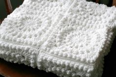 Circle of friends white afghan. I used this free square pattern. Really fun to crochet, and the texture is awesome. Crochet Squares, Crochet Motif, Free Crochet, Crochet Pillow, Baby Blanket Crochet, Crochet Patterns Amigurumi, Crochet Blanket Patterns, Crochet Baby Booties, Crochet Patterns For Beginners