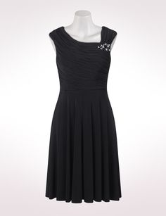 Thinking this would be good for banquet dinners when I'm at work seminars...just wish it came in another color but black!