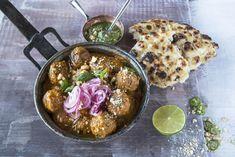 Indiske lammeboller med marinert rødløk Garam Masala, Tex Mex, Indian Food Recipes, Acai Bowl, Good Food, Awesome Food, Recipies, Curry, Meat