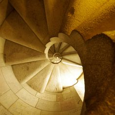 La Sagrada Familia stairs - looking up Amazing Architecture, Architecture Details, Holy Family, Gaudi, Barcelona Spain, Stairways, Looking Up, Cool Photos, How To Memorize Things