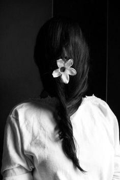 BLACK & WITHE