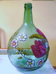 √ Easy and Awesome Pottery Painting Ideas for Beginner [Images] Liquor Bottle Crafts, Wine Bottle Art, Painted Wine Bottles, Painted Jars, Diy Bottle, Bottles And Jars, Hand Painted Pottery, Pottery Painting, Hand Painted Ceramics