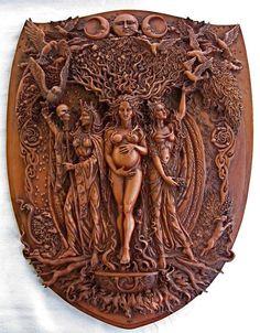La Triple Diosa: La Doncella, La Madre y La Anciana.