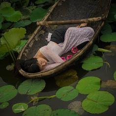 Thumb the lotus lake v