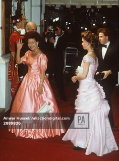 AT THE ROYAL OPERA HOUSE ON QUEEN ELIZABETH'S 60th BIRTHDAY IN 1986