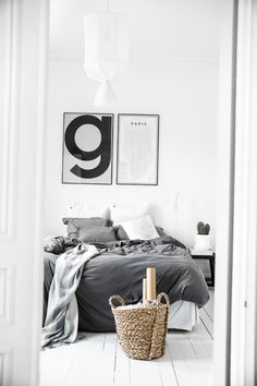 Dream White Scandinavian Home With Lots Of Character 12 Home Decor Signs, Easy Home Decor, Cheap Home Decor, Home Bedroom, Bedroom Decor, Modern Bedroom, Master Bedroom, Monochrome Bedroom, Teen Bedroom