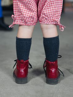 Pants BAVARIA RED – Pan Pantaloni Summer Tribes 2015 collection for kids. Perfect light pants with ribbons for rolling in the sun. #fashion #kids #natural #summer