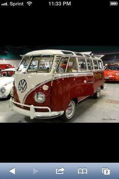 DeviantArt: More Like 21 Window VW Bus by E-Davila-Photography Volkswagen Jetta, Vw T1, Ferdinand Porsche, Foodtrucks Ideas, Bus Vw, Vw Minibus, T1 Samba, Combi Split, Combi Wv