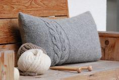 Knit pillows - hut magic for autumn and winter, # for # hut magic . Knit pillows – hut magic for autumn and winter, # Hüttenzauber Sewing Patterns Free, Free Sewing, Knitting Patterns, Knit Pillow, Pillow Room, Neck Pillow, Amigurumi Giraffe, Cactus Wall Art, Pillow Tutorial