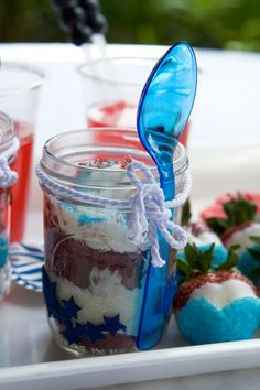DIY Red, White & Blue Cupcakes in  a Jar