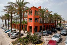 Zona exterior del Hotel Club Marítimo de Sotogrande