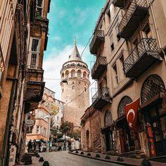 Galata Tower in İstanbul. (via Instagram - sen_istanbul_sun) #turkey #türkiye #istanbul #galata #karaköy #galatatower #galatakulesi