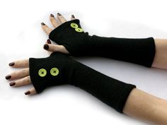 Black Arm Warmers Fingerless Gloves with Green Buttons by WearMeUp,