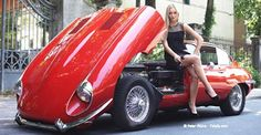 jaguar e type with sales girl models Jaguar E Type, Jaguar Xk, Jaguar Cars, Station Wagon, Carros Jaguar, Up Auto, Sales Girl, Ferrari, Pin Up