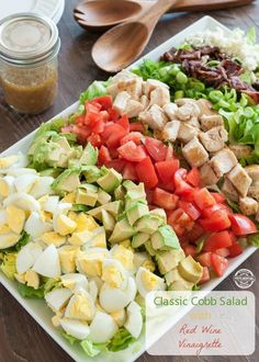 Classic Cobb Salad w Red Wine Vinaigrette <--salad perfection. Sponsored by Healthy Salads, Healthy Eating, Healthy Recipes, Salada Cobb, Red Wine Vinaigrette, Vinaigrette Recipe, Summer Salads, Soup And Salad, Pasta Salad