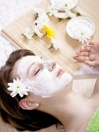 ALOE & MANGO FACIAL  Mix 2 tsp of chopped mango with 1 cup of aloe vera gel, 1 tsp honey and 1 tsp lime juice. As soon as you've obtained the desired texture you can apply the facial on your skin.  Leave the mask on for at least 30 minutes to have the ideal result.  Complete the beauty ritual by washing off the treatment with cold  water.