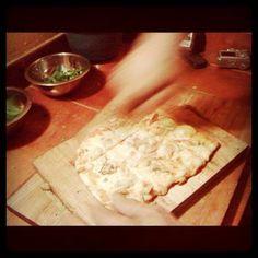 pizzas a la parrilla, jamon y champignones  www.multifiesta.com.uy