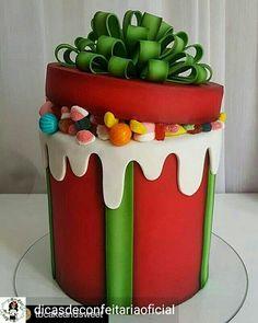 Birthday cake for me - Kuchen Bilder - Birthday Cake Christmas Birthday Cake, Christmas Sweets, Christmas Baking, Birthday Gifts, Birthday Box, Christmas Cakes, Christmas Cake Designs, Christmas Cake Decorations, Holiday Cakes