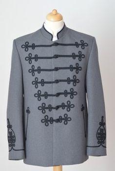 Bocskai öltöny szürke, fekete díszítéssel https://hagyomanyorzobolt.com