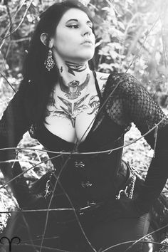 Amy Vile by Aries Photography