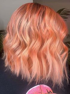 Find here stunning ideas of peach balayage hair colors for medium to long hair styles. You can see here how amazing look this best peach hair color has. No doubt this one is perfect option for every woman to try nowadays. Peach Hair Colors, Pink Hair, Hair Color Highlights, Hair Color Balayage, Hair Painting, Lose Belly Fat, Face And Body, Hair Hacks, Hairdresser