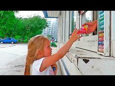 Giant Candy Chupa Chups Johny Johny Yes Papa Nursery Rhymes for babies - YouTube