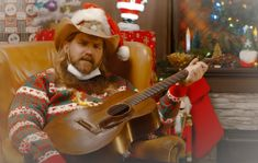 JIMMY KIMMEL LIVE!: CHRIS STAPLETON 'A VERY COVID CHRISTMAS' [VIDEO] Christmas Albums, Christmas Music, Christmas Themes, Country Music Artists, Country Singers, Chris Stapleton, Jimmy Kimmel Live, Miranda Lambert, Ronald Mcdonald