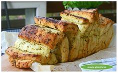 Glutenfreies Kräuter - Zupfbrot! Die perfekte Beilage zu Gegrilltem! Luftige und würzige Brotscheiben mit Kräuterbutter verfeinert! http://www.rezepte-glutenfrei.de