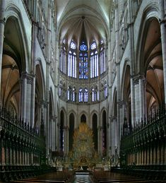 Interior of Amiens Cathedral, France.Main article: Architecture of cathedrals and great churches Sacred Architecture, Architecture Student, Beautiful Architecture, Interesting Buildings, Amazing Buildings, Die Renaissance, Gothic Cathedral, Building Structure, Chapelle