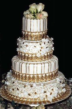 Ornate, luxurious and chic cake made by Creartive Cakes