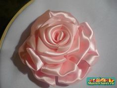 How to make ribbon rose, site is in Russian with very nice pictures!