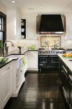 Home Decoration Diy Beautiful kitchen inspiration with white cabinets black oven countertops windows and hood - Tyler Redman.Home Decoration Diy Beautiful kitchen inspiration with white cabinets black oven countertops windows and hood - Tyler Redman Kitchen And Bath, New Kitchen, Kitchen Dining, Kitchen Cabinets, Kitchen White, Floors Kitchen, Kitchen Backsplash, Dark Cabinets, Kitchen Layout