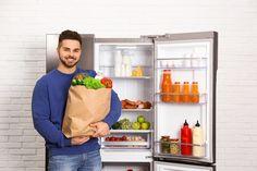 Es gibt wahrscheinlich kaum einen Haushalt, in dem kein Kühlschrank steht, von dem es verschiedene Varianten wie den Standkühlschrank gibt. Viele Lebensmittel und Getränke oder zum Teil auch Medikamente benötigen eine durchgehende Kühlung, sodass der Kühlschrank in der Küche ein Standard-Gerät ist.   #Haushalt #Haushaltsgeräte #Kühlschrank #Standkühlschrank Flexibility, Nature Photography, Refrigerator Freezer, Electricity Usage, Frugal, Art Education Resources, Make It Happen, Foods, Lining Up