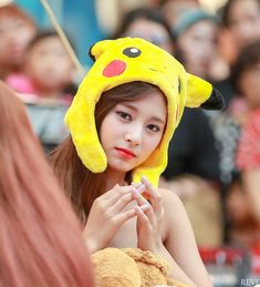 Twice-Tzuyu 180722 Fansign Event Kpop Girl Groups, Korean Girl Groups, Kpop Girls, Tzuyu And Sana, Tzuyu Twice, Fandom, Reality Tv Shows, Hirai Momo, Girl Bands