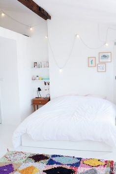 Awesome 99 Minimalist Apartment Bedroom Decorating Ideas https://decorisart.com/28/99-minimalist-apartment-bedroom-decorating-ideas/