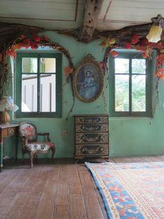 Miss Pompadour mouse, Le grand salon miniature scene by Ninette  Co, 2014