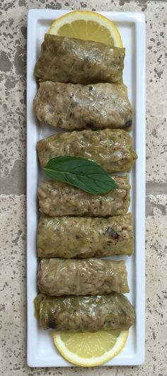 Zeytinyağlı Lahana Sarma Turkish Kitchen - Videolu Tarif - World Food & Recipes Diet Recipes, Vegetarian Recipes, Healthy Recipes, Cooking Recipes, Turkish Recipes, Italian Recipes, Plant Based Recipes, Vegetable Recipes, Eid Food