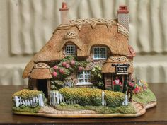 Lilliput Lane Cottages - Walkers Rest - Mint/New Condition