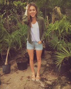 """Sadie Robertson on Instagram: """"I look weird, but thank God for wild blue so at least my clothing looks good lol. welcoming this spring / summer weather in nicely with these shorts & green button up from the @wildbluedenim collection :-) @rue21official 4.6.16"""""""