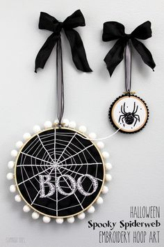 """But without the """"Boo"""" ~ Halloween Spooky Spiderweb Hoop Art. How cute would this be as a Halloween decoration? Halloween Quilts, Halloween Sewing Projects, Halloween Pillows, Halloween Crafts, Halloween Decorations, Diy Halloween Ornaments, Halloween Ribbon, Halloween Ideas, Embroidery Hoop Crafts"""