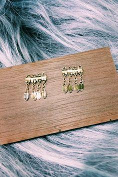 BY BOE Short Fringe Chain Earrings