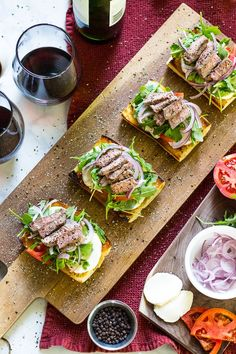 These Open Faced Steak Caprese Sandwiches are a deliciously simple lunch idea layered with buffalo mozzarella, arugula, balsamic vinegar and thinly sliced red onion on fresh focaccia bread! Buffalo Mozzarella, Balsamic Vinegar, Arugula, Avocado Toast, Onion, Steak, Sandwiches, Appetizers, Lunch